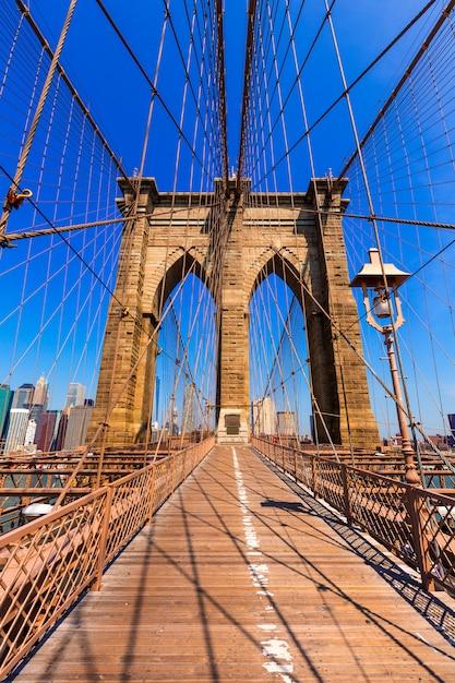 Ponte di brooklyn e manhattan new york city stati uniti Foto Premium