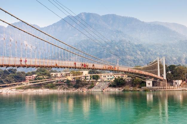 Ponte in rishikesh Foto Premium