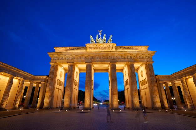 Porta di brandeburgo a berlino brandenburger tor Foto Premium
