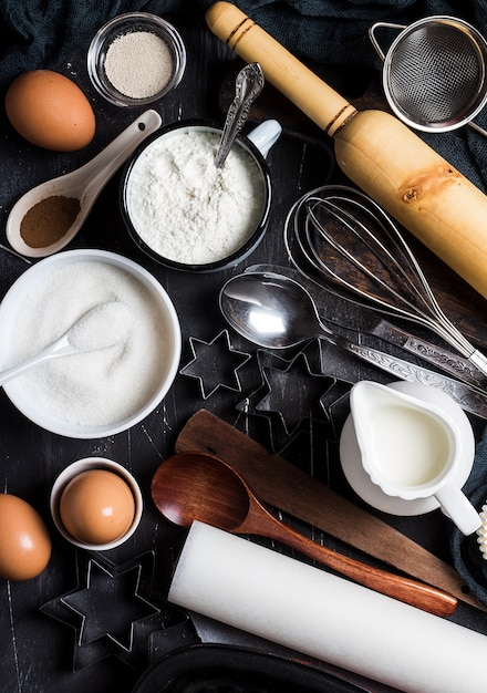 Preparazione cottura ingredienti da cucina per cucinare. accessori alimentari Foto Gratuite