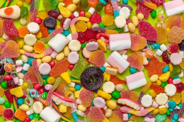 Primo piano di caramelle miste Foto Premium