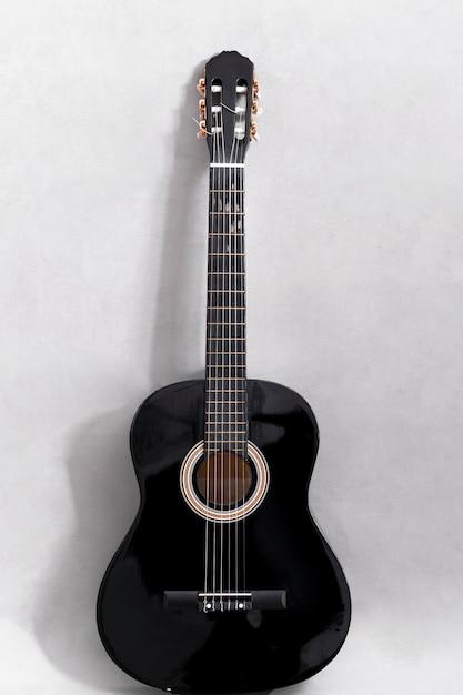 Primo piano di una chitarra Foto Gratuite
