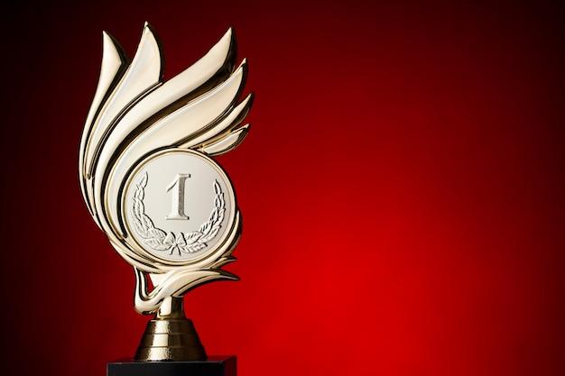 Primo trofeo per i vincitori di una competizione Foto Premium