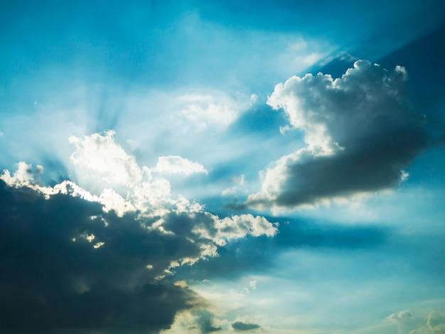 Priorità bassa del cielo blu scuro Foto Gratuite