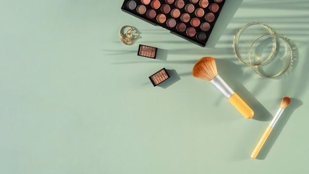 Prodotti cosmetici di bellezza copia-spazio Foto Gratuite