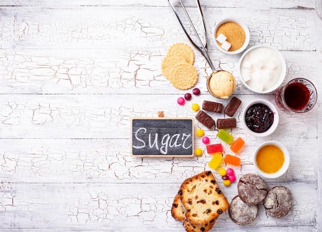Prodotti malsani ricchi di zucchero Foto Premium