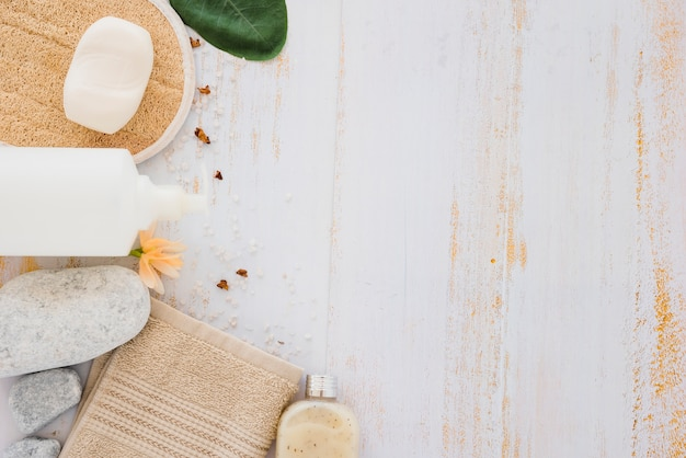 Prodotti per la cura della pelle per la pulizia e la guarigione Foto Gratuite