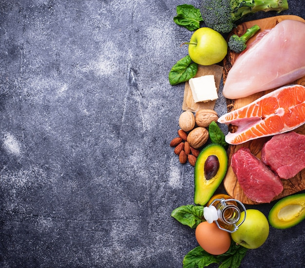 Prodotti salutari a basso contenuto di carboidrati. dieta chetogenica Foto Premium