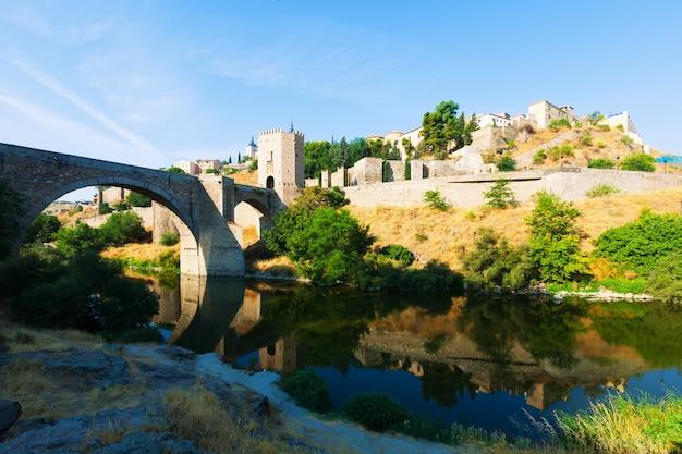Puente di alcantara. toledo, in spagna Foto Gratuite