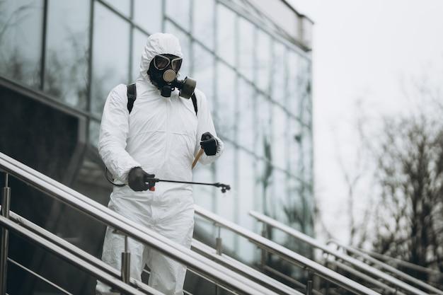 Pulizia e disinfezione dell'edificio esterno Foto Premium