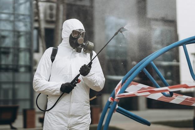 Pulizia e disinfezione in città Foto Premium