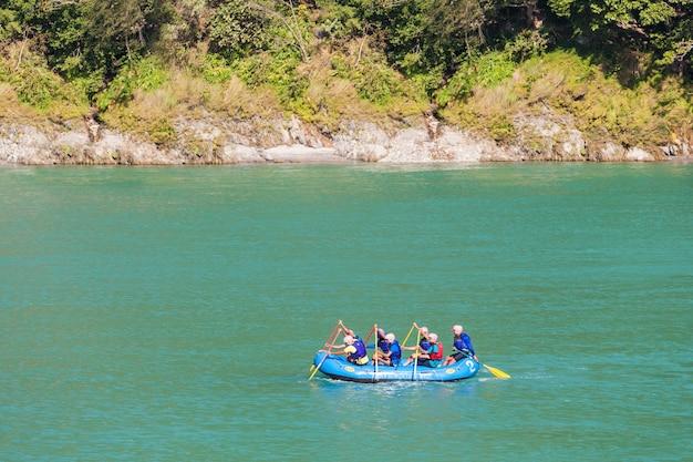 Rafting in rishikesh Foto Premium