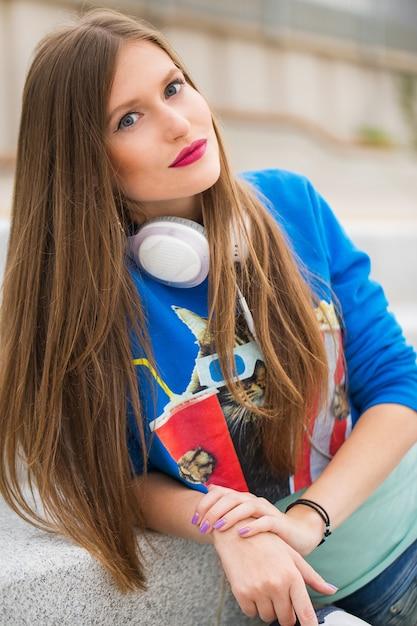 Ragazza con i capelli lunghi Foto Gratuite