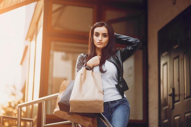 Ragazza dello shopping Foto Gratuite