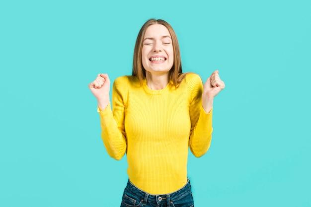 Ragazza felice che sorride Foto Gratuite