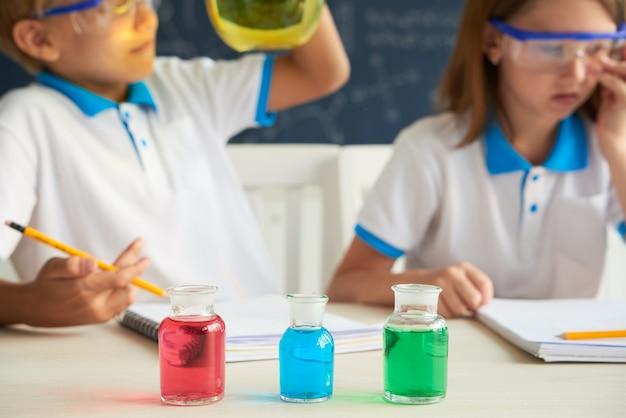 Reagenti colorati Foto Gratuite