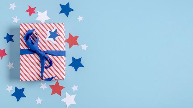 Regalo avvolto bandiera degli sua di vista superiore con copia-spazio Foto Gratuite