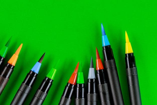 Rifornimenti di arte penne di pittura ad acquerello di forniture di disegno Foto Premium
