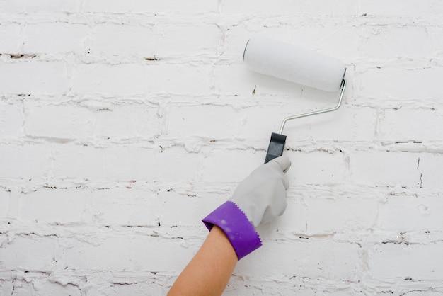 Ritaglia il muro dipinto a mano Foto Gratuite