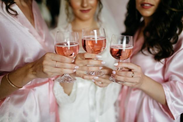Ritratto di bella sposa Foto Gratuite