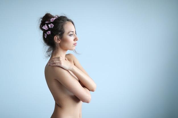 Ritratto di bellezza di una donna Foto Gratuite