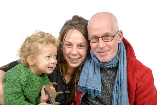 Ritratto di famiglia, nonno, figlia e nipote Foto Premium