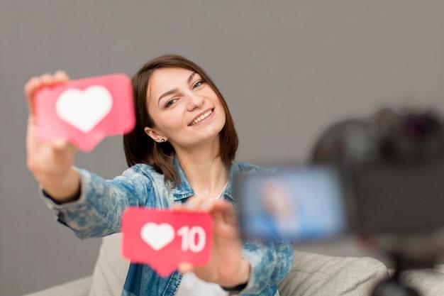 Ritratto di registrazione donna per blog personale Foto Gratuite