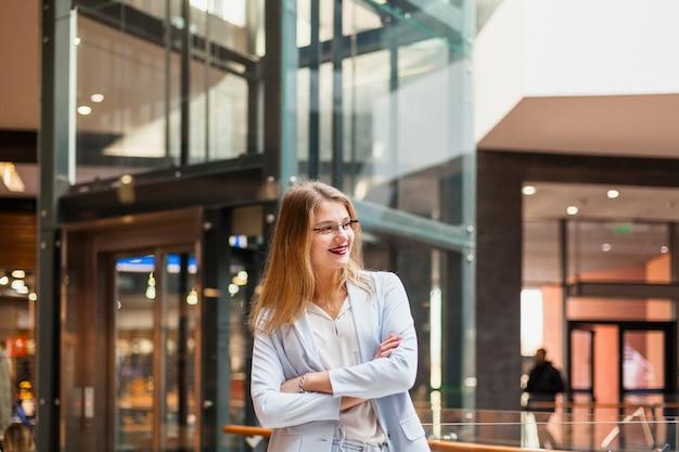 Ritratto di stile di vita della donna di affari Foto Gratuite