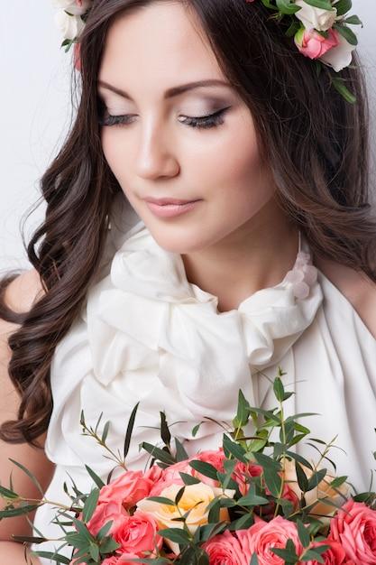 Ritratto di una bella sposa. Foto Premium