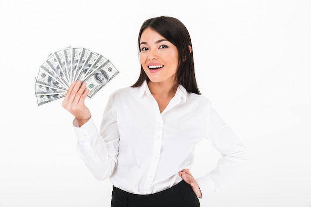 Ritratto di una donna d'affari asiatica di successo Foto Gratuite