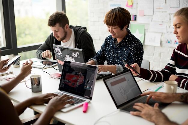 Riunione d'affari di avvio di lavoro di squadra Foto Premium