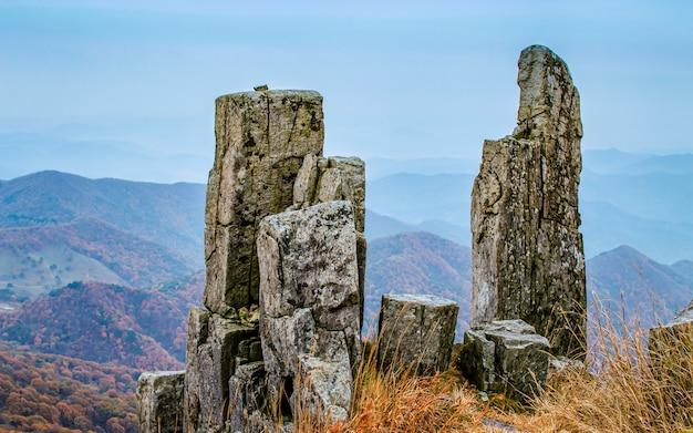 Roccia diritta al parco nazionale del monte mudeungsan, gwangju, corea del sud. Foto Premium