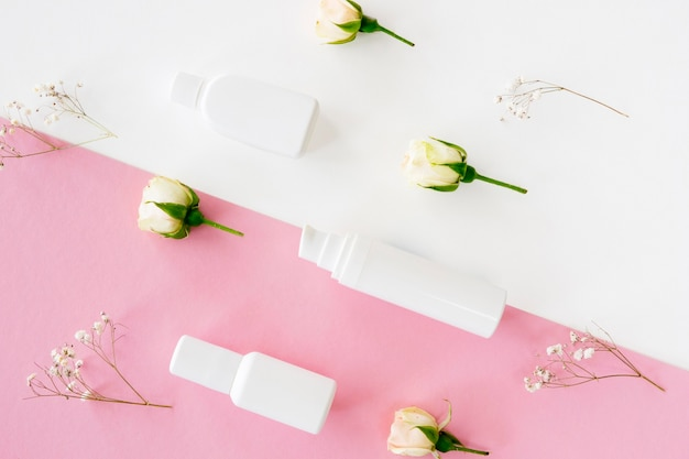 Rose e prodotti per il trucco Foto Gratuite
