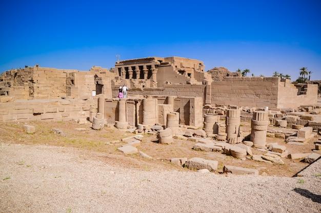 Rovine del tempio di dendera. egitto Foto Premium