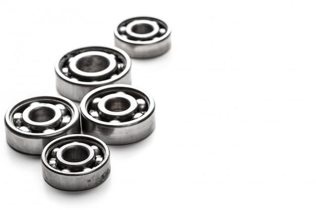 Ruote del metallo dell'ingranaggio, isolate su bianco Foto Premium