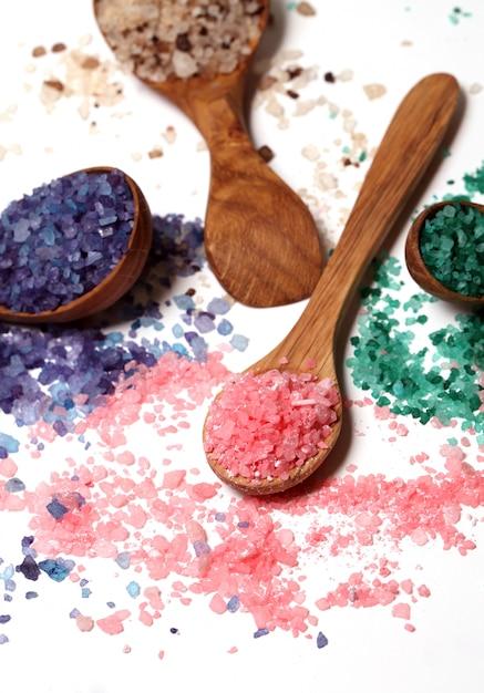 Sale da bagno colorato sparso Foto Gratuite
