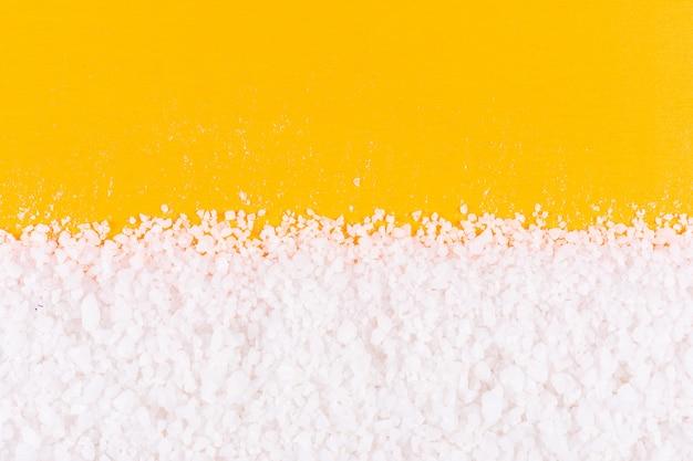 Sale marino sulla superficie dell'arancia Foto Gratuite