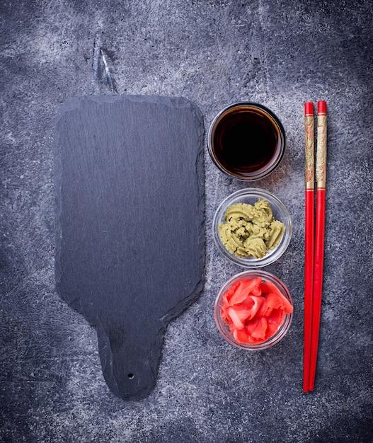 Salsa di wasabi, zenzero e soia. Foto Premium