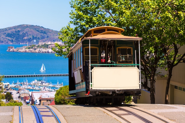 San francisco hyde street cable car california Foto Premium