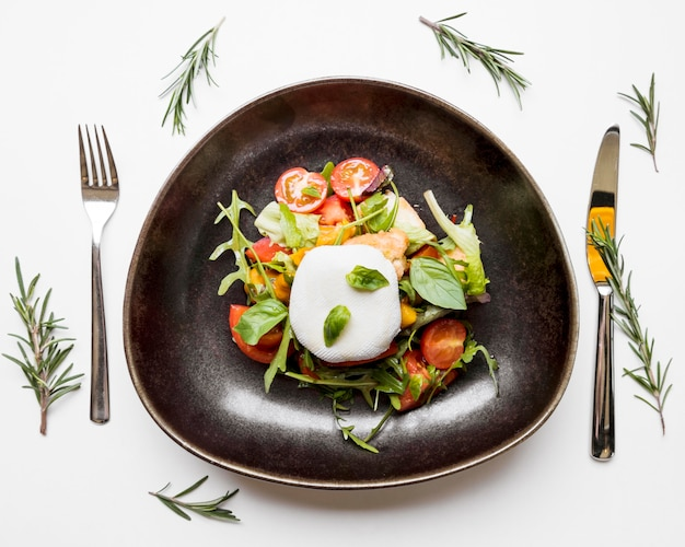 Sana insalata con pomodori Foto Gratuite