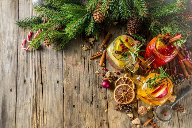 Sangria invernale, vin brulè o brulè caldo Foto Premium