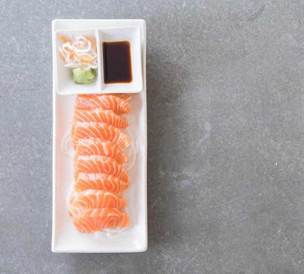 Sashimi crudi di salmone Foto Gratuite