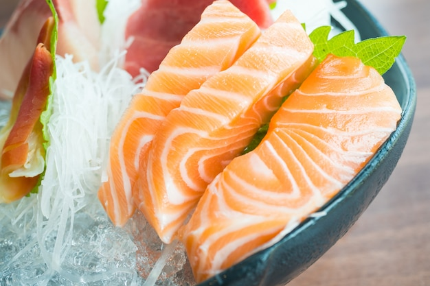 Sashimi fresco crudo Foto Gratuite