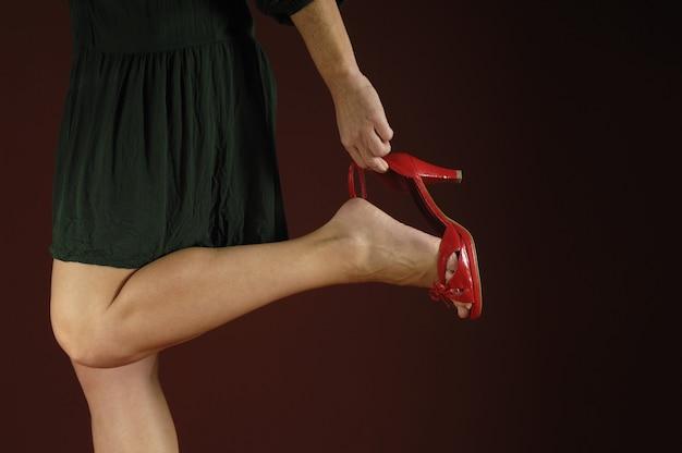 Scarpe con tacco donna ottiene Foto Premium