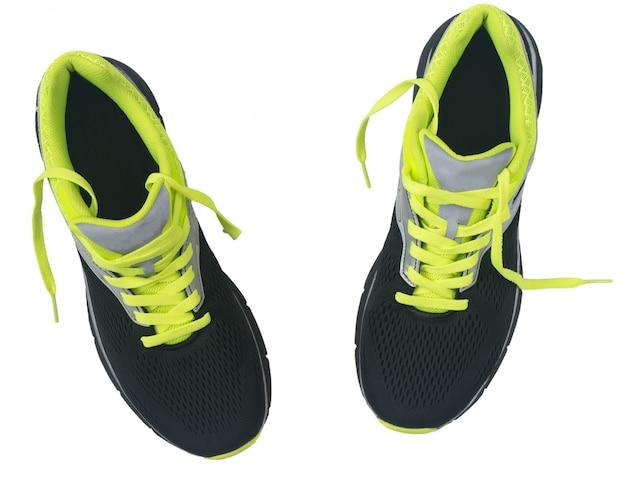 Scarpe da uomo per fare jogging isolato su sfondo bianco. Foto Premium