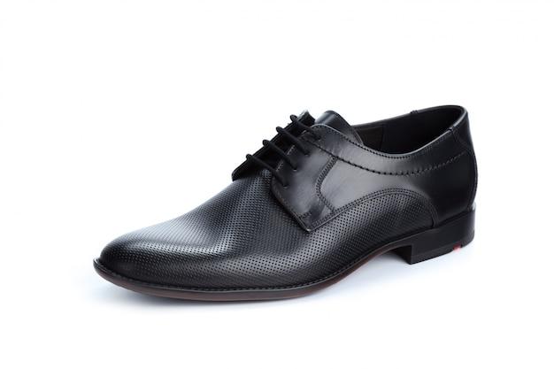 Scarpe maschii formali di cuoio nere isolate su fondo bianco Foto Premium