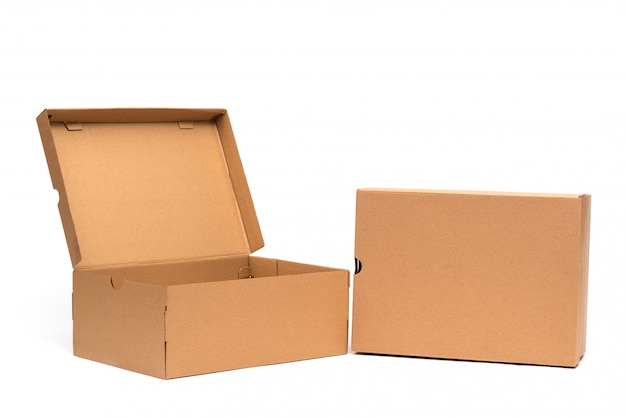 Scatola di scarpe di cartone marrone con coperchio per confezione di scarpe o sneaker Foto Premium