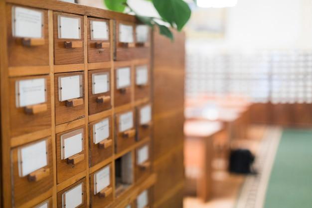Scatole di indice delle carte in biblioteca Foto Gratuite