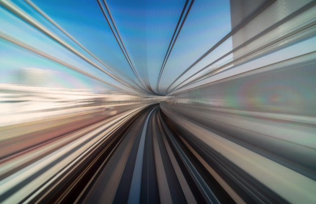 Scena furistica movimento mosso movimento dal treno tokyo tokyo della linea yurikamome in movimento Foto Premium