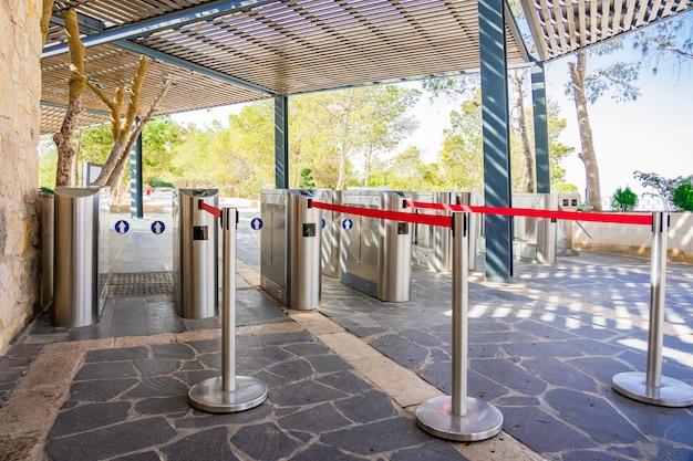 Scheda cancello d'ingresso accesso sistema di sicurezza nell'edificio Foto Premium